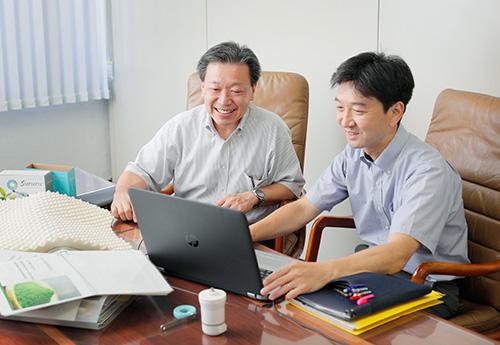 草野社長と企画室の小野氏